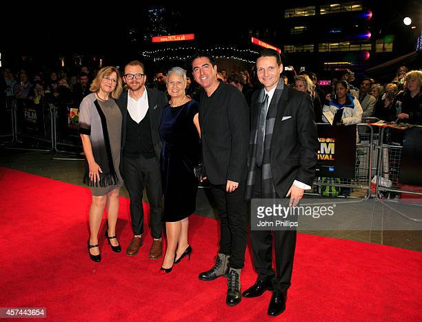 Share Stallings Simon Pegg Tania Chambers Laurence Malkin and Daniel Findlay attend the red carpet arrivals of Kill Me Three Times during the 58th...
