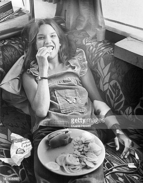 AUG 7 1977 Shari Carruba Munches While Taking Treatment She is undergoing fivehour kidney dialysis in mobile unit