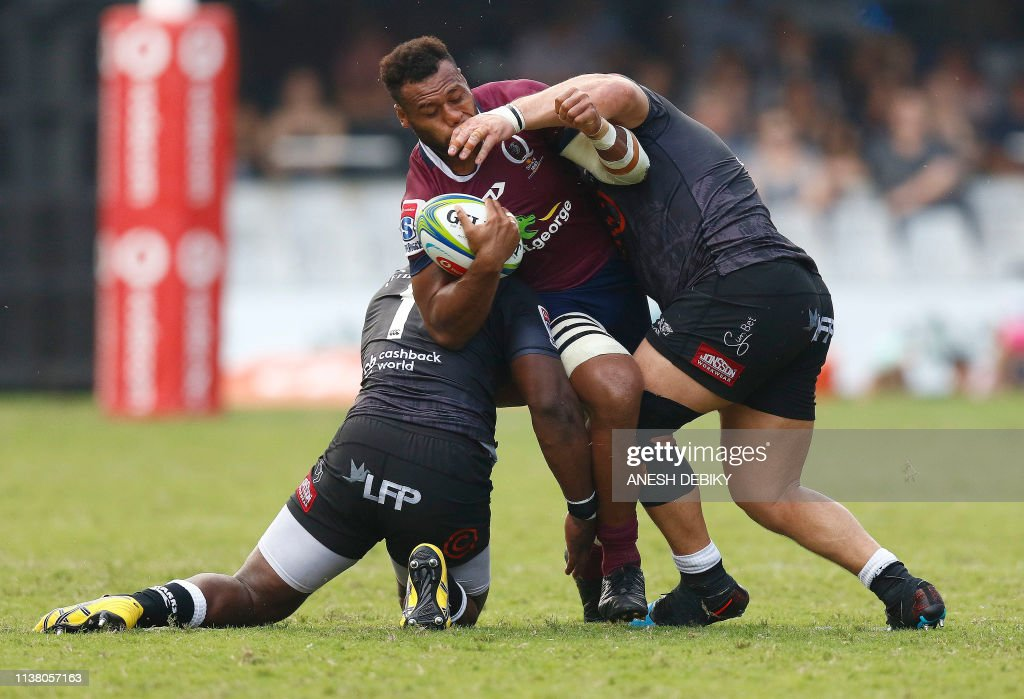 RUGBYU-RSA-SUPER14-SHARKS-QUEENSLAND : News Photo