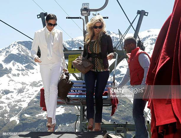 Sharlely Becker new wife of former tennis star Boris Becker and friend Judith Kamps arrive on a ski lift to the wedding brunch reception on June 13...