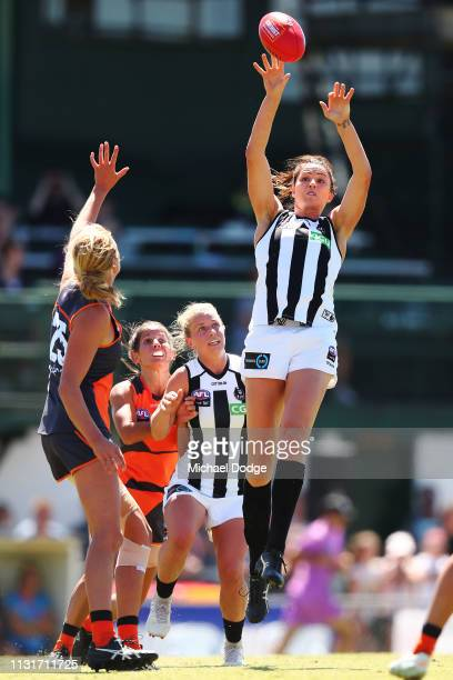 Sharni Layton of the Magpies wins the tap out against Ingrid Nielsen of GWS during the AFLW Rd 4 match between Collingwood and GWS at Morwekk...