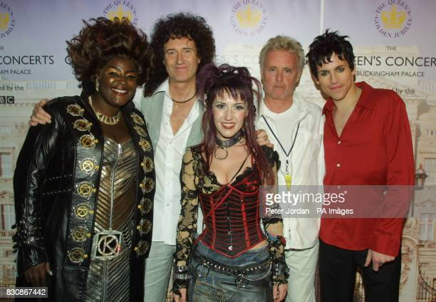 Sharon D Clarke Hannah Jane Fox and Tony Vincent with Queen backstage in the gardens of Buckingham Palace for the second concert to commemorate the...