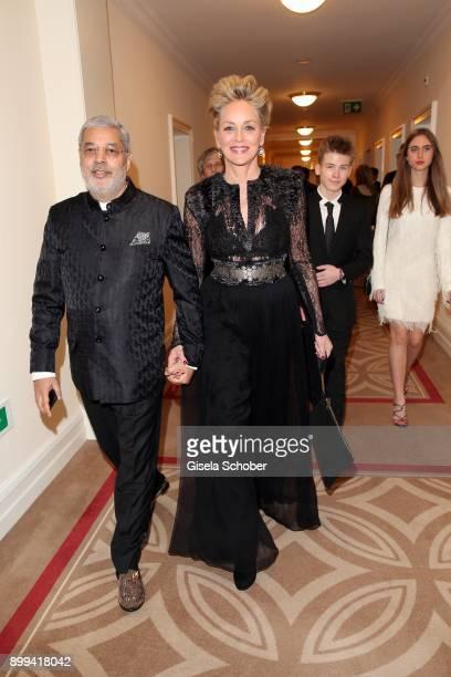 Sharon Stone and her partner Tikka Shatrujit Singh Kapurthala her son Roan Joseph Bronstein and Martina Tomasini during the charity gala benefiting...
