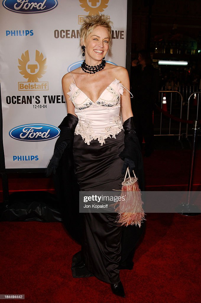 Ocean's Twelve Los Angeles Premiere - Arrivals : News Photo