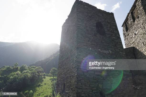 shatili stone tower, north caucasus, georgia - argenberg stock pictures, royalty-free photos & images