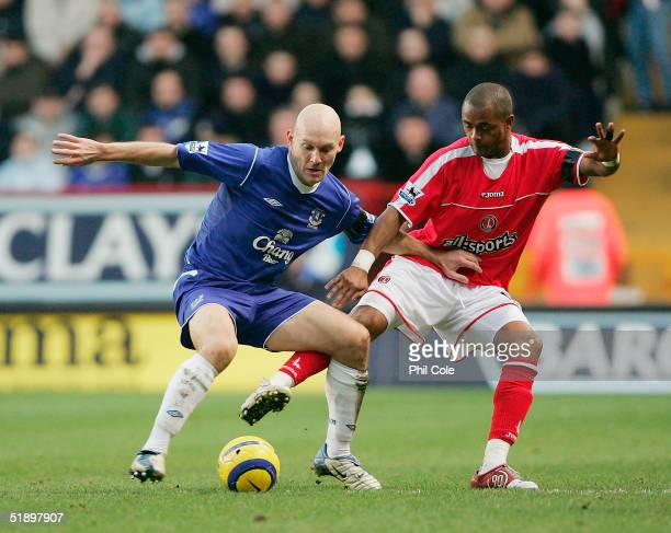 Shaun Bartlett of Charlton tackles Thomas Gravesen of Everton during the Barclays Premiership match between Charlton Athletic and Everton at The...