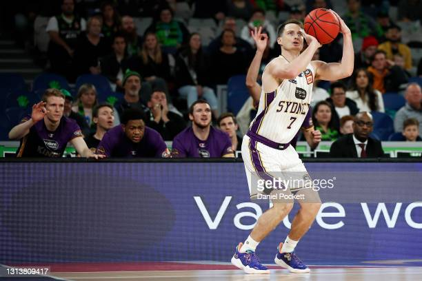 Shaun Bruce of the Kings shoots a three pointer during the round 15 NBL match between the South East Melbourne Phoenix and the Sydney Kings at John...