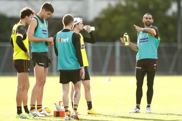 AUS: Hawthorn Hawks Training Session