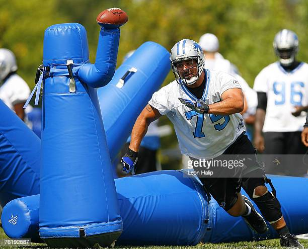 Shaun Cody works out during the Detroit Lions training camp Monday afternoon in Allen Park, MI. August 7, 2006