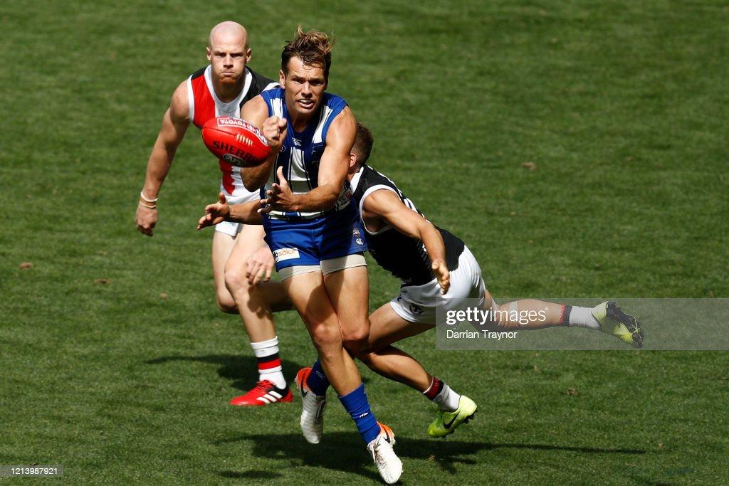 AFL Rd 1 - North Melbourne v St Kilda : News Photo