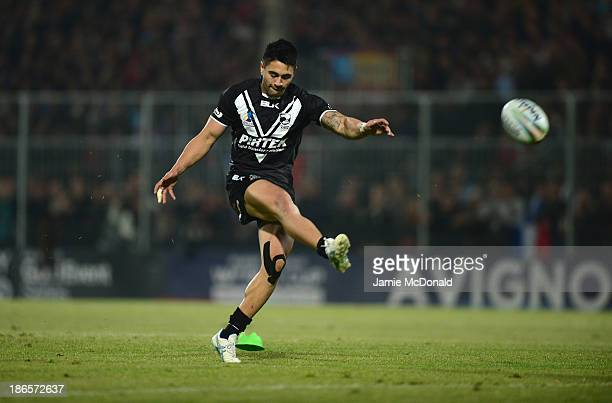 Shaun Johnson of New Zealand kicks for goal during the Rugby League World Cup group B match between New Zealand and France at Parc des Sports on...