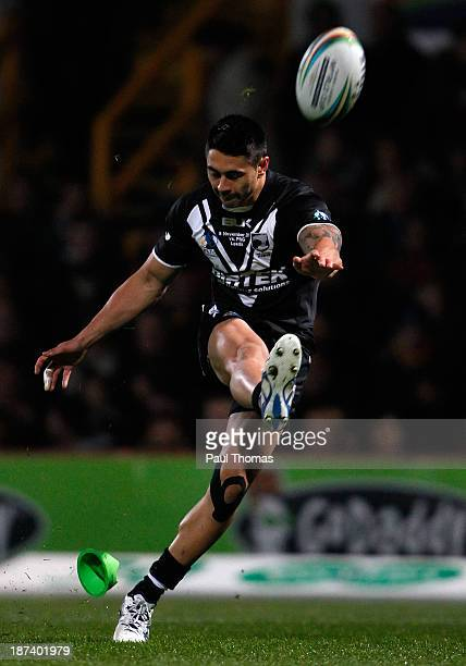 Shaun Johnson of New Zealand successfully kicks a conversion during the Rugby League World Cup Group B match between New Zealand and Papua New Guinea...