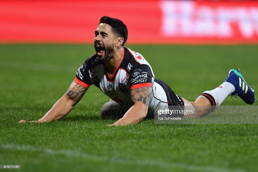Shaun Johnson of the Warriors celebrtates scoring a try during the round 14 NRL match between the Manly Sea Eagles and the New Zealand Warriors at AMI Stadium on June 9, 2018 in Christchurch, New Zealand.
