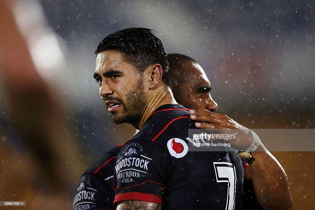 Shaun Johnson of the Warriors looks on after losing the round 26 NRL match between the New Zealand Warriors and the Parramatta Eels at Mt Smart Stadium on September 4, 2016 in Auckland, New Zealand.
