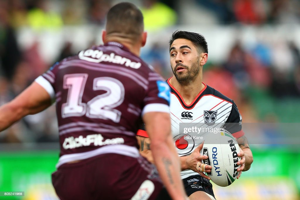 Shaun Johnson of the Warriors runs the ball during the round 17 NRL match between the Manly Sea Eagles and the New Zealand Warriors at nib Stadium on July 1, 2017 in Perth, Australia.