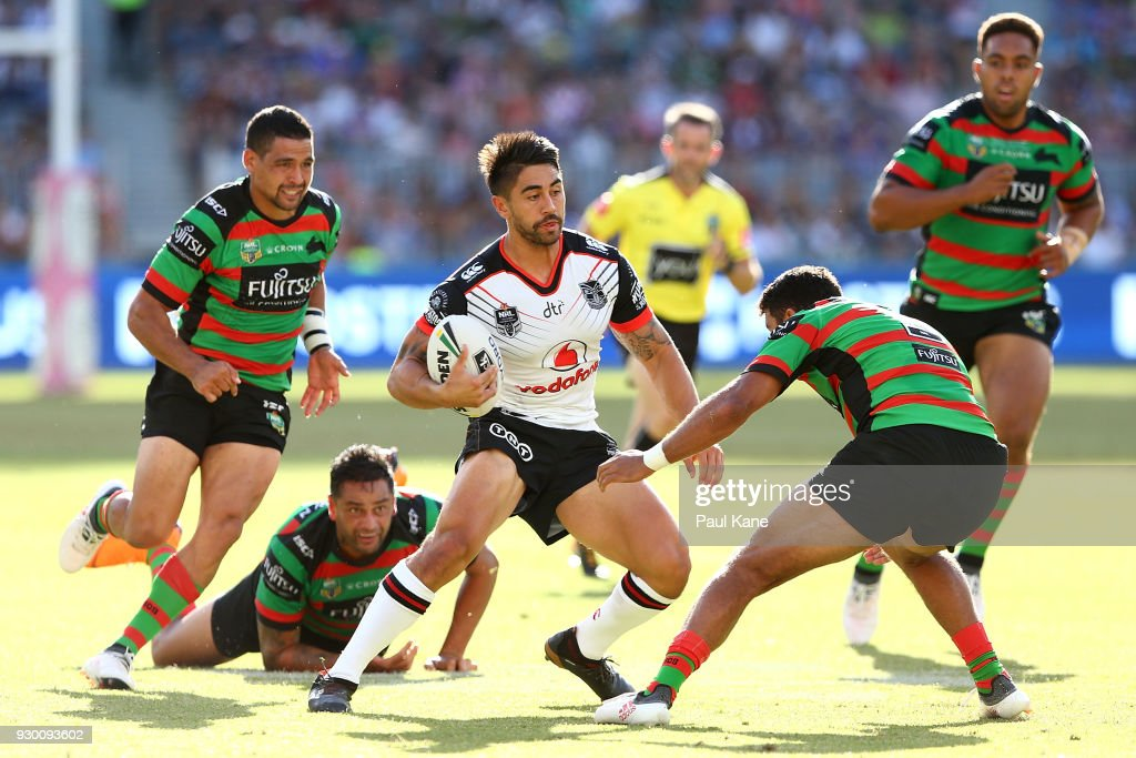 Shaun Johnson of the Warriors runs the ball during the round one NRL match between the South Sydney Rabbitohs and the New Zealand Warriors at Optus Stadium on March 10, 2018 in Perth, Australia.