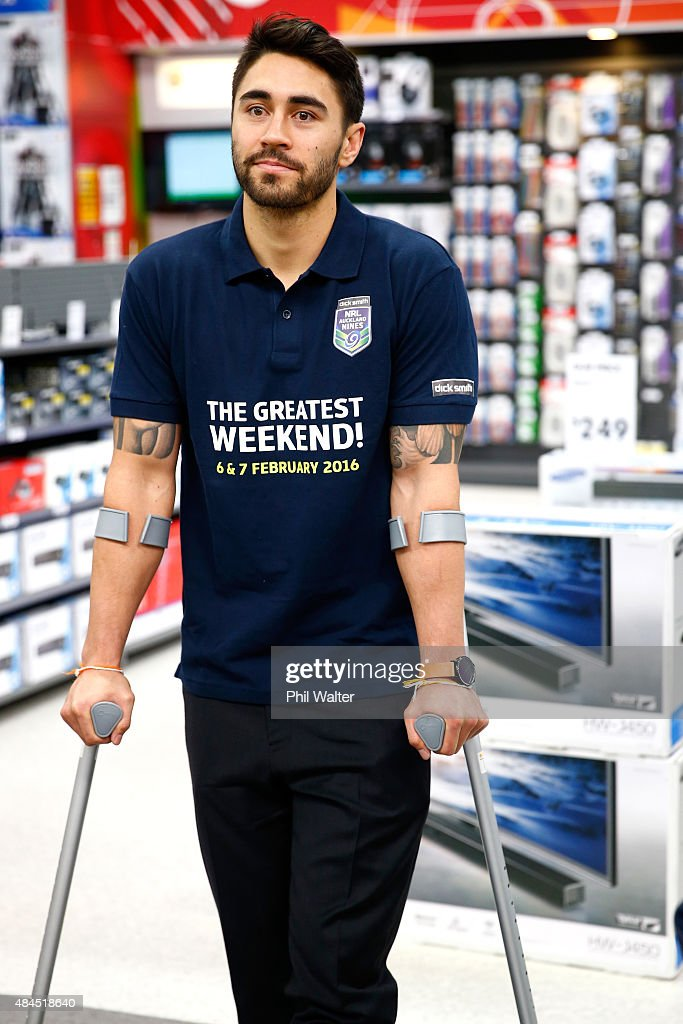 Shaun Johnson of the Warriors stands on his crutches before a NRL Nines press conference at Dick Smith Manukau on August 20, 2015 in Auckland, New Zealand.