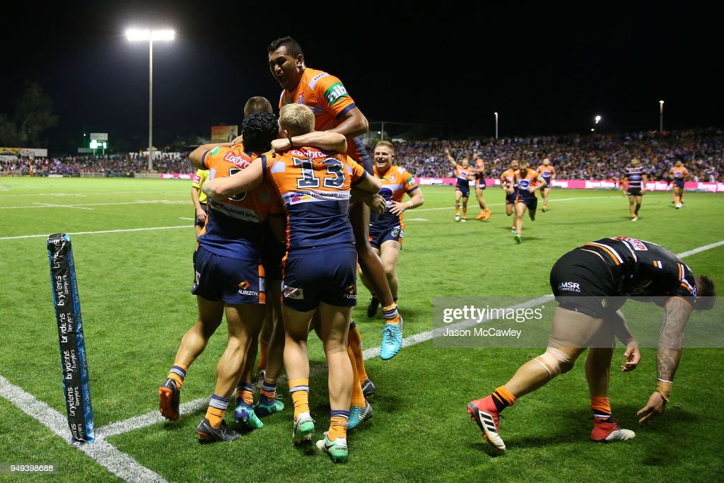 Shaun Kenny-Dowall of the Knights scores a try during the round seven NRL match between the Wests Tigers and the Newcastle Knights at Scully Park on April 21, 2018 in Tamworth, Australia.