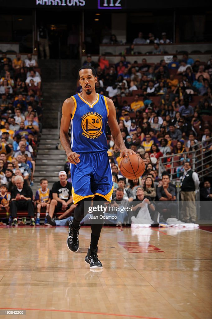 Shaun Livingston #34 of the Golden State Warriors brings the ball up court against the Los Angeles Lakers during a preseason game on October 22, 2015 at Honda Center in Anaheim, California.