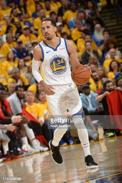 Shaun Livingston of the Golden State Warriors brings the ball up the court against the Houston Rockets during Game Five of the Western Conference...