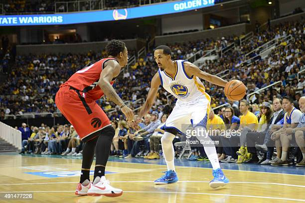 Shaun Livingston of the Golden State Warriors defends the ball against the Toronto Raptors during the preseason game on October 5 2015 at SAP Center...