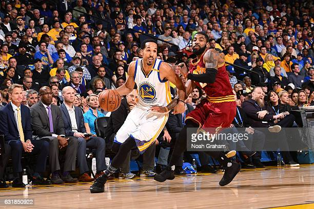 Shaun Livingston of the Golden State Warriors drives to the basket during the game against the Cleveland Cavaliers on January 16 2017 at ORACLE Arena...