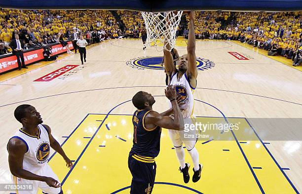 Shaun Livingston of the Golden State Warriors dunks against James Jones of the Cleveland Cavaliers in the first half during Game Two of the 2015 NBA...