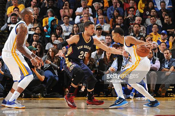 Shaun Livingston of the Golden State Warriors handles the ball against the New Orleans Pelicans on December 4 2014 at Oracle Arena in Oakland...