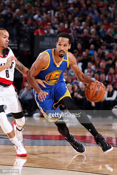 Shaun Livingston of the Golden State Warriors handles the ball against the Portland Trail Blazers on November 1 2016 at the Moda Center in Portland...
