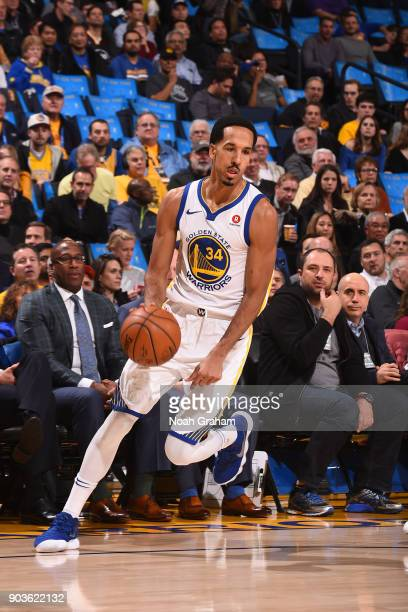 Shaun Livingston of the Golden State Warriors handles the ball against the LA Clippers on January 10 2018 at ORACLE Arena in Oakland California NOTE...