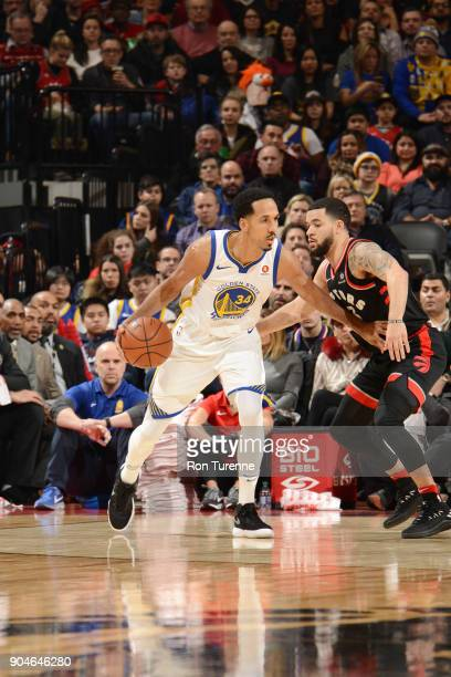 Shaun Livingston of the Golden State Warriors handles the ball against the Toronto Raptors on January 13 2018 at the Air Canada Centre in Toronto...