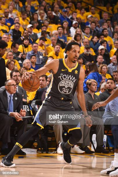 Shaun Livingston of the Golden State Warriors handles the ball against the New Orleans Pelicans in Game Two of the Western Conference Semifinals...