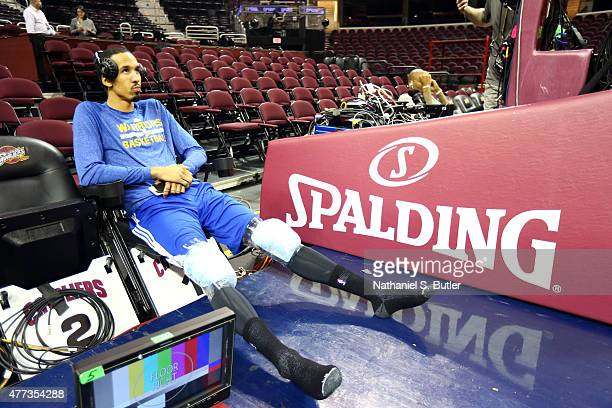 Shaun Livingston of the Golden State Warriors ices down after warming up prior to Game Six of the 2015 NBA Finals at The Quicken Loans Arena on June...