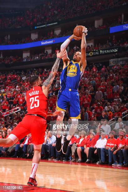 Shaun Livingston of the Golden State Warriors shoots the ball against the Houston Rockets during Game Six of the Western Conference Semifinals of the...