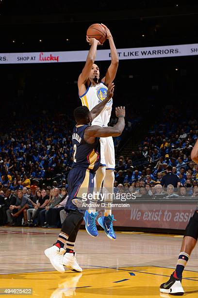 Shaun Livingston of the Golden State Warriors shoots the ball against the New Orleans Pelicans on October 27 2015 at ORACLE Arena in Oakland...