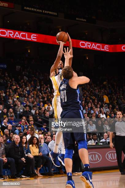 Shaun Livingston of the Golden State Warriors shoots the ball against the Dallas Mavericks on December 14 2017 at ORACLE Arena in Oakland California...