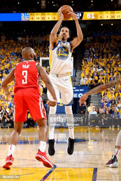 Shaun Livingston of the Golden State Warriors shoots the ball against the Houston Rockets during Game Three of the Western Conference Finals during...
