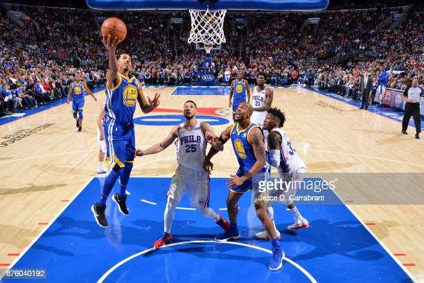 Shaun Livingston of the Golden State Warriors shoots the ball during the game against the Philadelphia 76ers on November 18 2017 at Wells Fargo...
