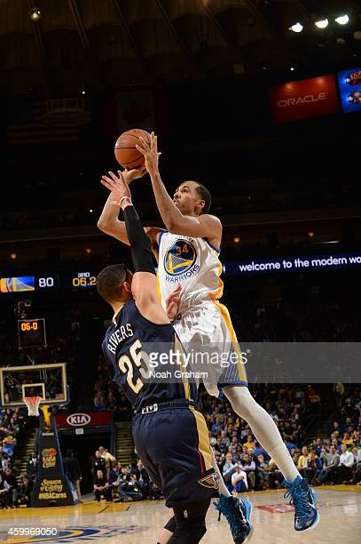 Shaun Livingston of the Golden State Warriors takes a shot against the New Orleans Pelicans on December 4 2014 at Oracle Arena in Oakland California...