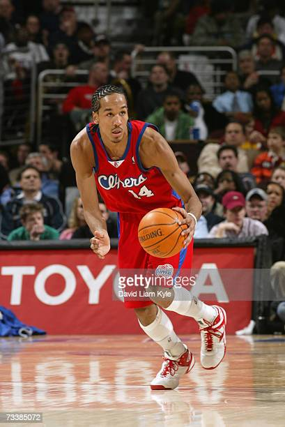 Shaun Livingston of the Los Angeles Clippers moves the ball up court during a game against the Cleveland Cavaliers at Quicken Loans Arena on February...