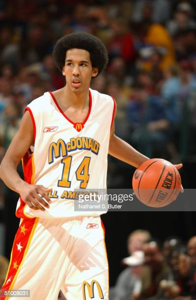 Shaun Livingston of the West moves the ball during the 2004 McDonald's High School All-American Game at Ford Center on May 31, 2004 in Oklahoma City,...