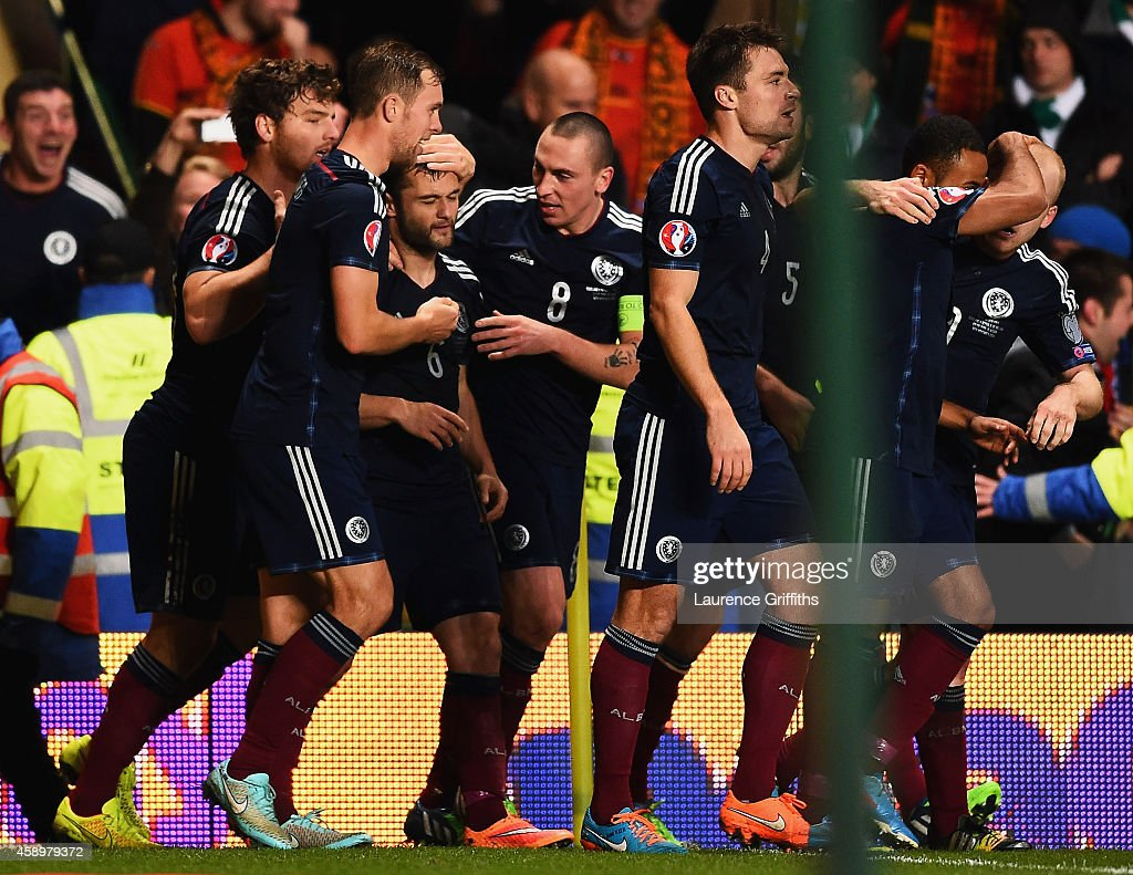 Shaun Maloney of Scotland (3L) celebrates with team mates as he scores their first goal during the EURO 2016 Group D Qualifier match between Scotland and Republic of Ireland at Celtic Park on November 14, 2014 in Glasgow, Scotland.