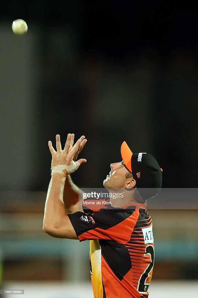 Shaun Marsh of Perth prepares to take a catch that will dismiss Johan Botha of Adelaide during the Big Bash League match between the Adelaide Strikers and the Perth Scorchers at Adelaide Oval on January 10, 2013 in Adelaide, Australia.