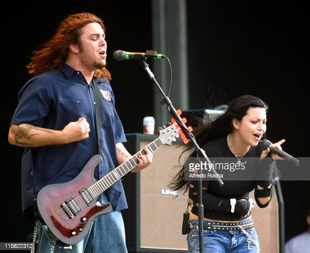 Shaun Morgan of Seether and Amy Lee of Evanescence