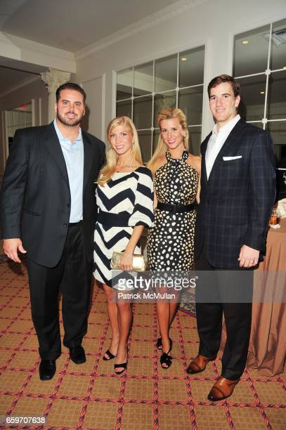 Shaun O'Hara Amy O'Hara Abby Manning and Eli Manning attend PHOENIX HOUSE Phoenix Rising Award Dinner at The Plaza NYC on March 30 2009 in New York...