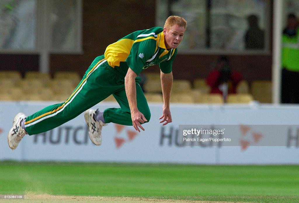 ICC Champions Trophy - Bangladesh v South Africa : News Photo