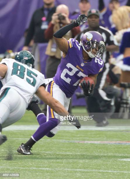 Shaun Prater of the Minnesota Vikings carries the ball following an interception during an NFL game against the Philadelphia Eagles at Mall of...