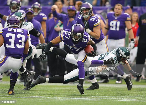 Shaun Prater of the Minnesota Vikings intercepts the pass intended for Jeremy Maclin of the Philadelphia Eagles on December 15, 2013 at Mall of...