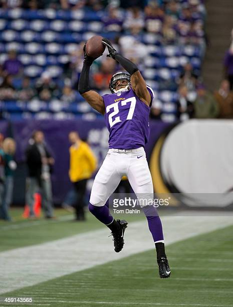 Shaun Prater of the Minnesota Vikings warms up prior to an NFL game against the Philadelphia Eagles at Mall of America Field, on December 15, 2013 in...