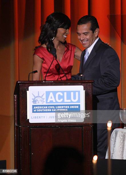 Shaun Robinson and Mayor Antonio Villaraigosa attend the ACLU of Southern California's annual Bill of Rights Dinner held at The Beverly Wilshire...